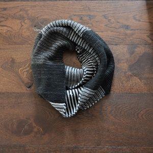 North Face Women's Purrl Stitch Scarf